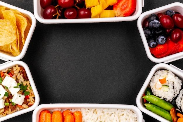 Vis, groenten en fruit frame bovenaanzicht Gratis Foto