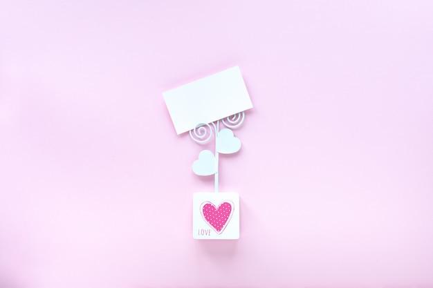 Visitekaartje mockup op roze achtergrond met kopie ruimte. Gratis Foto