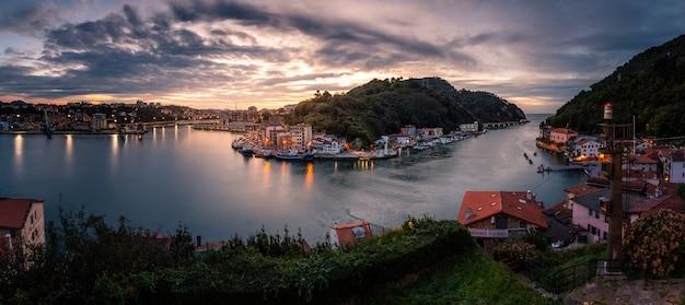Vissersstad pasaia in het baskenland. Premium Foto