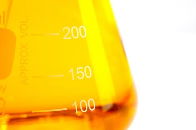 Vitamine capsule visolie voor gezond concept Premium Foto