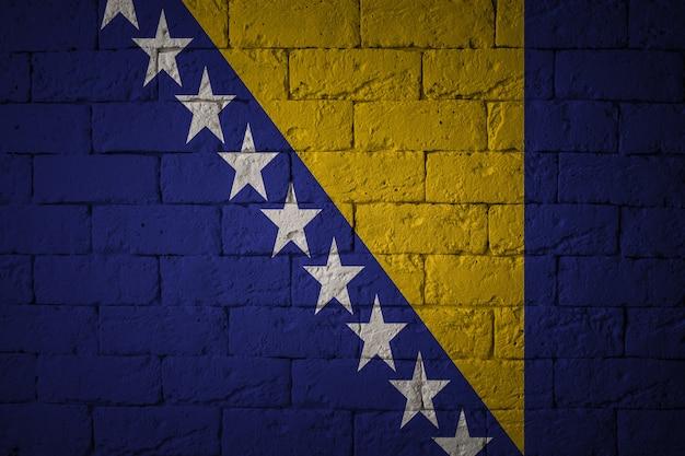 Vlag met originele verhoudingen. close-up van grungevlag van bosnië-herzegovina Premium Foto