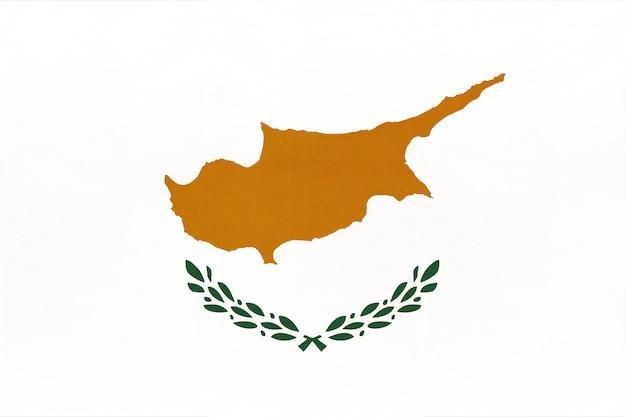 Vlag van cyprus nationale stof, textiel achtergrond. symbool van europese wereld land. Premium Foto