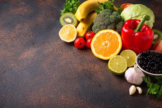 Voedsel dat vitamine c bevat, gezond eten Premium Foto
