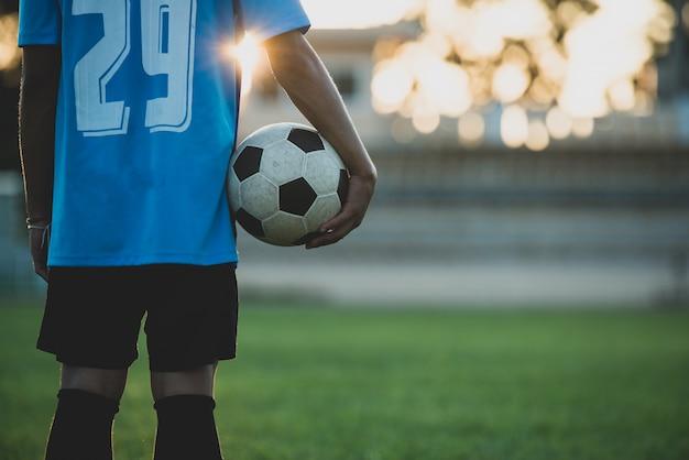 Voetballeractie op het stadion Gratis Foto