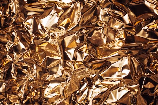 Volledige lijst van een vel verfrommeld zilver aluminiumfolie Premium Foto