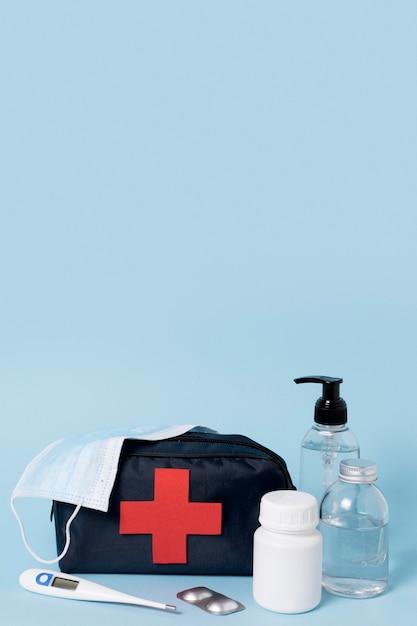 Vooraanzicht assortiment van medische stilleven elementen Gratis Foto