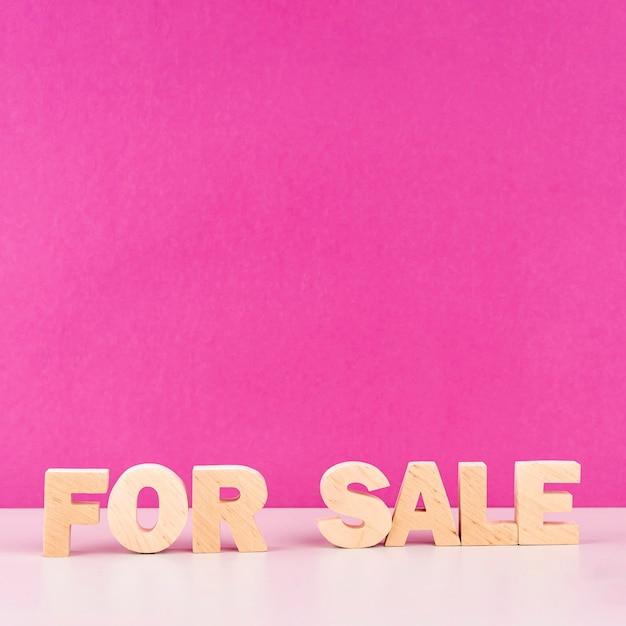 Vooraanzicht houten verkoop belettering Gratis Foto