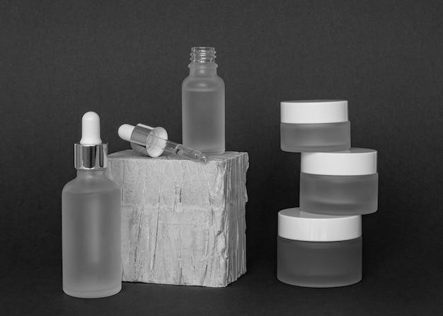 Vooraanzicht huidproduct druppelaar samenstelling Gratis Foto