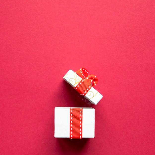 Vooraanzicht opende leuk cadeau Gratis Foto