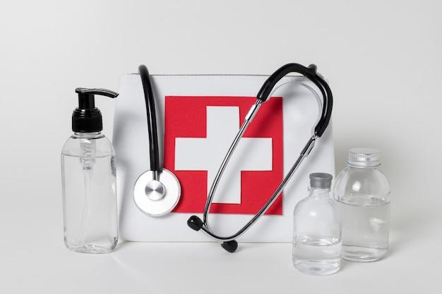 Vooraanzicht samenstelling van medische stilleven elementen Gratis Foto