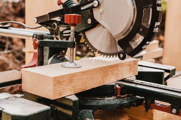 Vooraanzicht timmerwerk gereedschapsmachine Gratis Foto