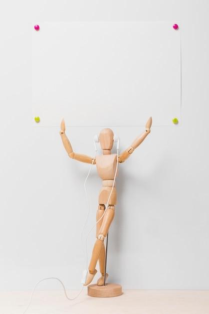 Vooraanzicht van marionet met exemplaarruimte Gratis Foto