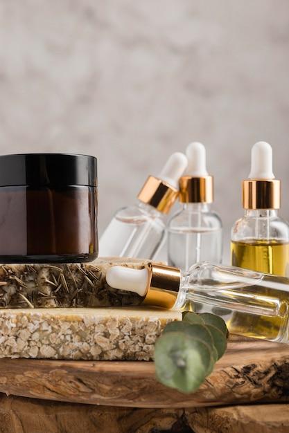 Vooraanzicht van natuurlijke cosmetica concept Gratis Foto