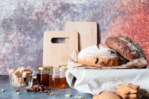 Vooraanzichtbrood met honing Premium Foto