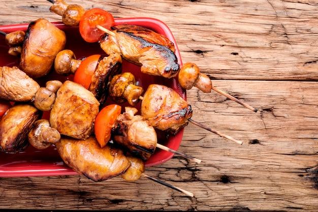 Voorgerecht kip kebab Premium Foto