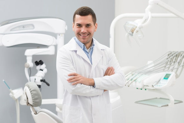 Vriendelijke tandarts Premium Foto