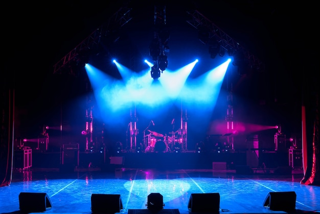 Vrij podium met verlichting Premium Foto