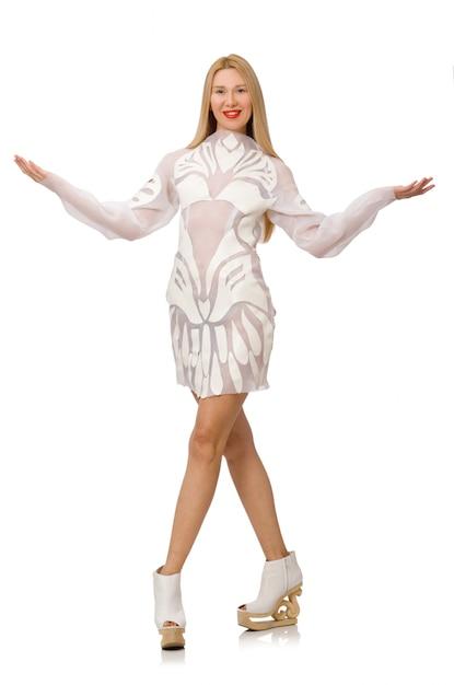 Vrouw die witte kleding draagt die op wit wordt geïsoleerd Premium Foto