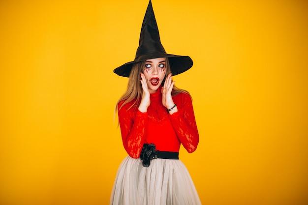Vrouw in een halloween-kostuum Gratis Foto
