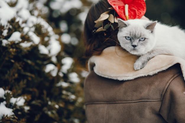 Vrouw met kat Gratis Foto