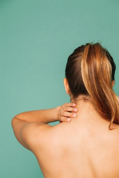 Vrouw met nekpijn Gratis Foto