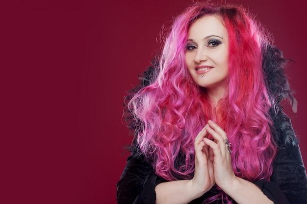 Vrouw met roze haren Premium Foto