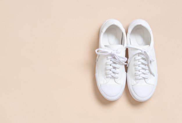 vrouwen leren sneakers schoenen Premium Foto