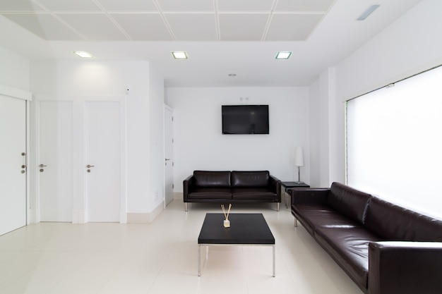 Wachtkamer in moderne tandheelkundige kliniek Premium Foto
