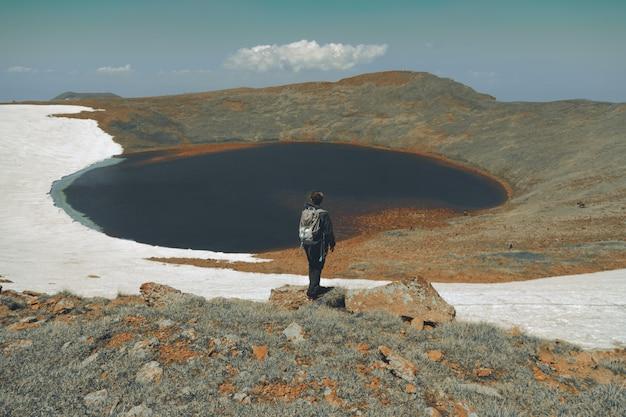 Wandelaars op bergen Gratis Foto
