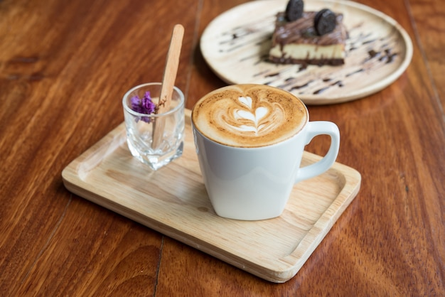 Warme koffie in de mok Gratis Foto