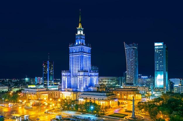 Warschau stad 's nachts, polen Premium Foto