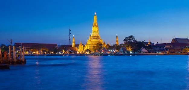 Wat arun-tempel in bangkok thailand Premium Foto