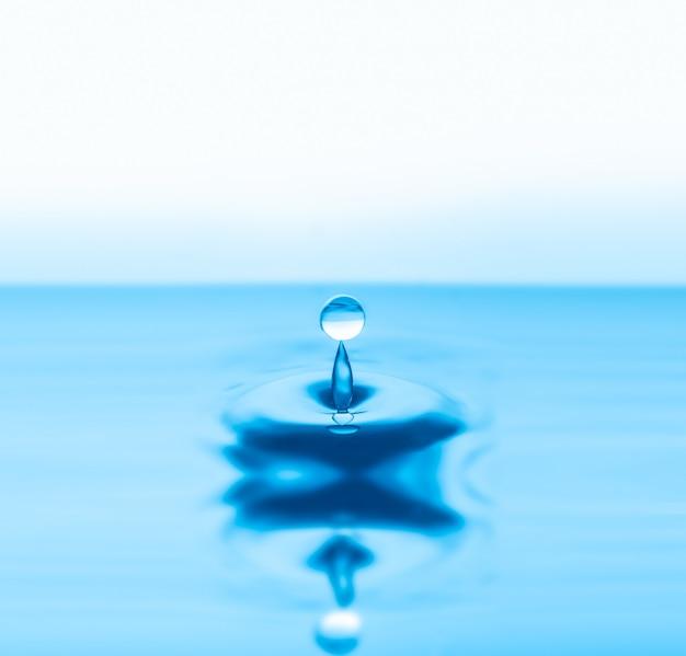 Waterdruppels spatten Premium Foto
