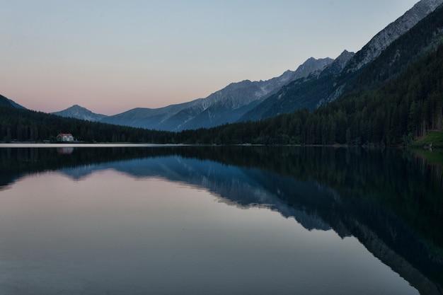Waterlichaam landschap Gratis Foto