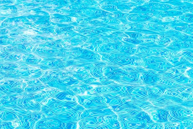 Wateroppervlak op het zwembad Gratis Foto