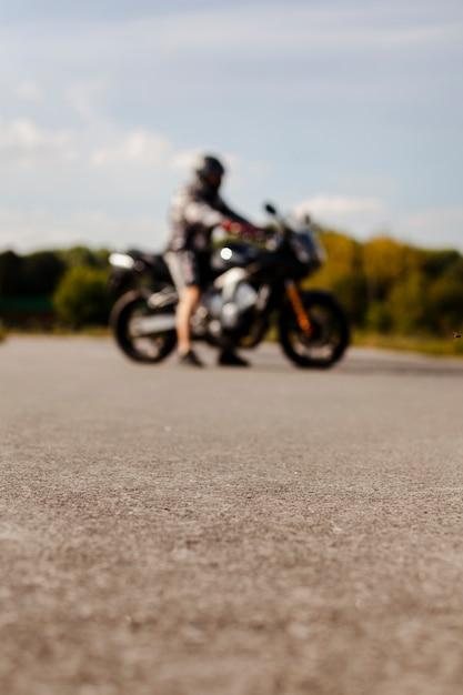 Wazig fietser op de motor Gratis Foto