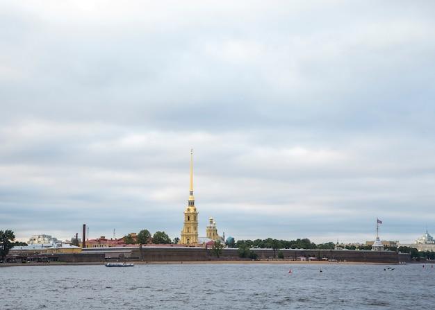 Weergave van sint-petersburg, rusland Premium Foto