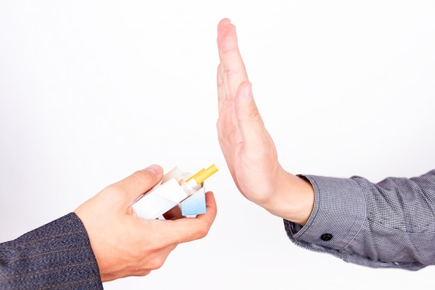 Weigeren om een sigaret te roken Premium Foto