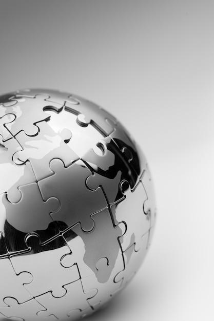 Wereldwijde strategie & oplossing bedrijfsconcept, puzzel Premium Foto