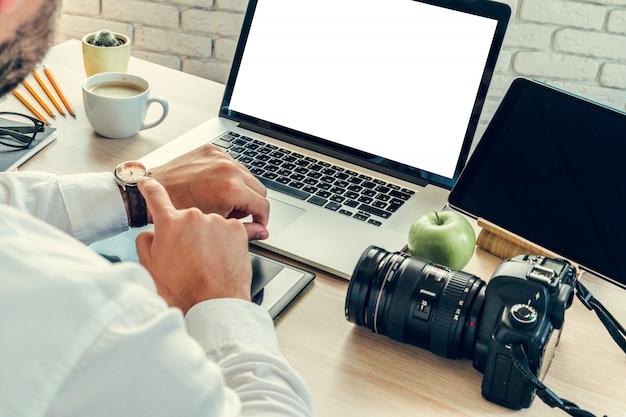Werktafel van een fotograaf dicht omhoog Premium Foto