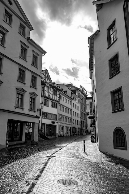 Winkelstraat in de oude binnenstad van st. gallen Gratis Foto