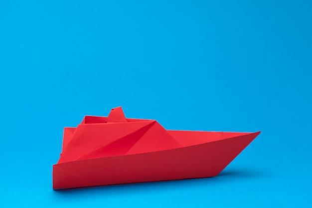Winnaar rood papier schip Premium Foto