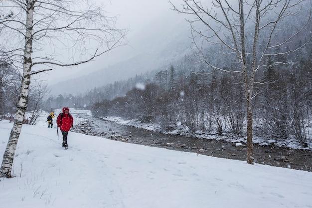 Winter in ordesa en monte perdido national park pyreneeën spanje Premium Foto
