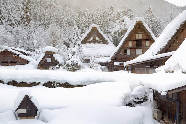 Winter shirakawa gaat dorp in japan Premium Foto