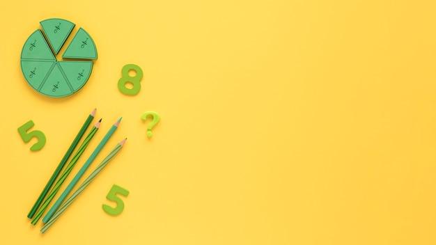 Wiskunde met getallen en potloden Gratis Foto