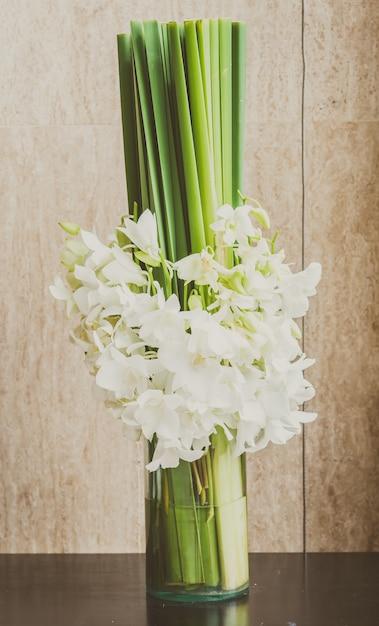 Witte bloemen hotel decoratie kleur foto gratis download for Bloemen decoratie