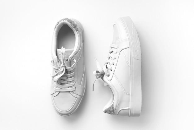Witte lederen sneakers Premium Foto