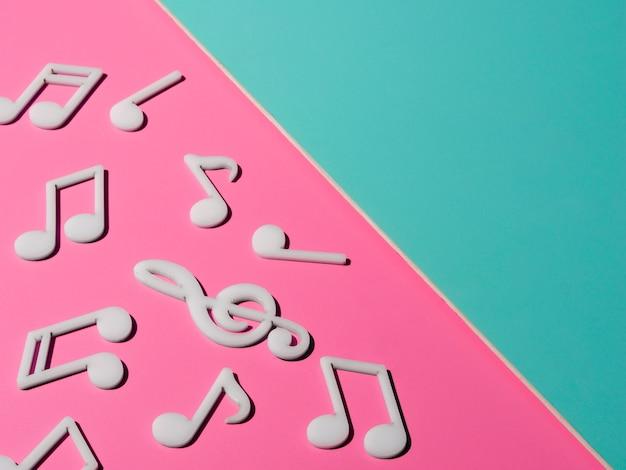 Witte muzieknoten met kopie-ruimte Gratis Foto
