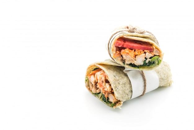 Wrap salade roll met kip en spinazie Premium Foto