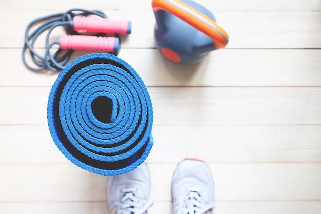 Yoga en fitness achtergrond met kopie ruimte. bovenaanzicht gezonde levensstijl concept. Premium Foto